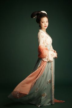 """fouryearsofshades: """" Spring 2016 series 花间浅酌 by 小 雅. 小 雅 is known for its hand-painted hanfu. """" The first three outfits are waist-high Ruqun/襦裙, and the next three are chest-high Ruqun. Outfits two and four pair the Ruqun with a Banbi/半臂 (half-sleeve..."""