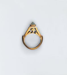 octahedron could be refined by polishing to produce a 'point-cut' diamond. In this AD gold ring with chiselled hoop and openwork bezel, a point-cut is imitated by a crystal. Renaissance Jewelry, Medieval Jewelry, Ancient Jewelry, Viking Jewelry, Jewelry Art, Jewelry Rings, Jewelery, Jewelry Accessories, Antique Rings