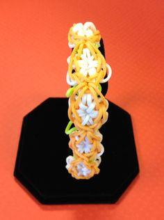 Bandaloom flower bracelet