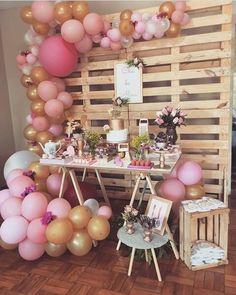 Decoração com balões pode ser uma ótima ideia. Baby Girl Shower Themes, Girl Baby Shower Decorations, Balloon Decorations, Birthday Decorations, Wild One Birthday Party, Birthday Party Themes, Pink Gold Party, Baby Shower Winter, Sweet 16 Parties