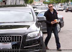 Imagini pentru jake gyllenhaal car