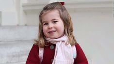 Charlotte é a primeira princesa que não será ultrapassada na linha de sucessão por um irmão mais novo.