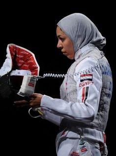 Shaimaa El Old - Muslim Fencer Within the last few 30 years, the evolution of Muslim Girls, Muslim Women, Hijab Fashion, Fashion Muslimah, Sports Hijab, Fencing Sport, You Go Girl, My Life Style, Fashion Cover