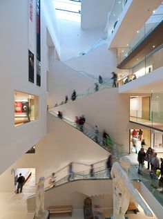 Interior of the Ashmolean Museum, Oxford, England. Personal photograph from a Tumblr account by Ninbra, 2012.