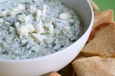 spinach feta dip by annieseats - an excellent alternative to a warm spinach and artichoke dip. It has a Greek undertone with the lemon juice, feta, and spinach. I also substitued in some fat free Greek yogurt. Appetizer Dips, Appetizer Recipes, Yummy Appetizers, Yummy Snacks, Yummy Food, Feta Dip, Feta Salad, Feta Pasta, A Food