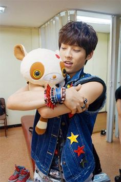 Minhyuk / BTOB.... stop it... it's not okay stop being cute right now ._.