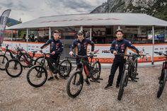 Thok E-Bikes unterstützt das Repsol Honda Trial Team - Thok E-Bikes und RepsolHonda Trial Team werden Partner. In diesem Team fährt niemand geringes als der amtierende Trial-Weltmeister Toni Bou mit. Mit elf Weltmeistertiteln in Folge ist Toni eine lebende Legende. Thok E-Bikes unterstützt das Team und beide gehen jetzt eine strategische Partnerschaft ein.