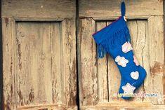 calza della befana con una vecchia sciarpa christmas stocking pattern