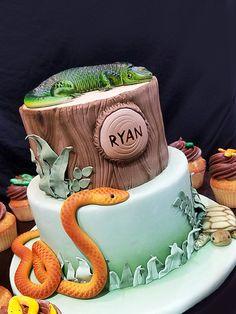 Reptile birthday cake. jungle / airbrushed snake / lizard / turtle
