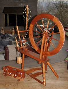Ken Lennox Winsome Timbers spinning wheel.