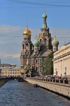 O que fazer em São Petersburgo? Confira aqui nossas sugestões. San Petersburg, Taj Mahal, Russia, Building, Travel, Bolshoi Ballet, Winter Palace, European Countries, Castle