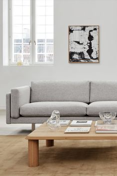 Clear, clean lines set the tone for the 280 Sofa, a modern, minimalistic design that's all about lounging with ease. Featuring rather large, long, generous cushions that trigger the desire to relax. #fredericiafurniture #erikjørgensen #ej280 #ej280sofa #isletscoffeetable #erikjørgensendesignstudio #mariabrrun #loungesetting #lounging #livingroominterior #decor #modernoriginals #craftedtolast Co Working, Classic Furniture, Lounge Areas, Living Room Interior, Sofa Design, Clean Lines, Minimalist Design, Contemporary, Modern