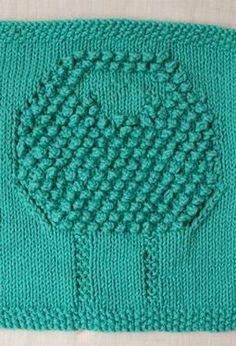 Sheep Scrubby Dishcloth - Free Knitting Patterns by Kim Cameron -- Kind of have to use your imagination but the face is the smooth part in the middle of the bobbles. Bea