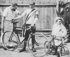 Maurice Garin: winner of the 1st Tour de France in 1903. The bikes were fixed gear, and before the yellow jersey there was the green armband. The gentleman in white dressed like a butcher is actually a mechanic.