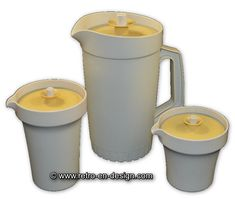 Three-parted Vintage Tupperware pitcher set