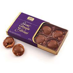 Crunchy roasted pecans, unbelievably soft caramel and a generous dollop of milk chocolate. An exceptional gift for yourself or anyone special to you. Made with sustainable cocoa. Chocolate Shop, Christmas Chocolate, Chocolate Gifts, Chocolate Lovers, Chocolate Box Packaging, Roasted Pecans, Gourmet Gift Baskets, Truffles, Cocoa