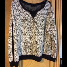 Cute long sleeve top! Sweet print long sleeve top with black panel running down each sleeve! Apt. 9 Tops