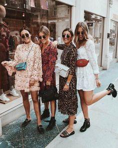Langarm Kleid / Street Style Mode / Source by Fashion Mode, Look Fashion, Fashion Beauty, Fashion Trends, Womens Fashion, Fashion Hacks, Fashion Group, Classy Fashion, Petite Fashion