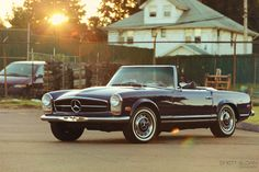 The most sought after classic: Mercedes 280SL Pagoda