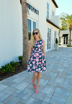 I love this dress! || Anna James from Fash Boulevard shares her Wedding Guest Style Guide on LaurenConrad.com