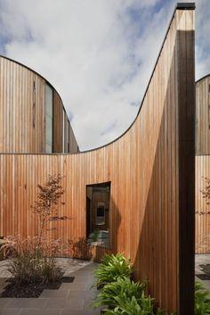 Matt Gibson Architecture designed the Kooyong House in Melbourne, Australia.