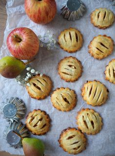 Helpot pienet omenapiiraat Sweet Tooth, Muffin, Sugar, Cookies, Baking, Breakfast, Desserts, Recipes, Food