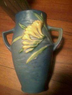 Roseville 6 1 2'' Freesia Vase 117 | eBay