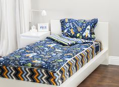 Zipit Bedding Mix 'N Match With Outer Space and Extreme Sports. Zipit Bedding is America's FIRST all-in-one zippered bedding that will forever change the way people, of ALL ages, make their beds! Simply put, it works like a Sleeping Bag… you just Zipit!