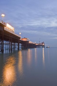 ✯ Brighton England Pier, loved the pier, so sad it burned in 2009.