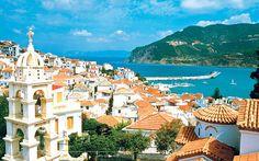 La magica isola di #Skopelos ha fatto da sfondo al film record di incassi basato sulla travolgente colonna sonora degli ABBA, con protagonista #Meryl Streep!  Voi avete già scelto dove coronare il vostro #matrimonio? Seguiteci su www.virginiatravel.it sapremo consigliarvi il luogo più adatto a voi! #grecia #emozionidiviaggio #virginiatravel