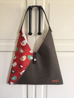 Marvelous Make a Hobo Bag Ideas. All Time Favorite Make a Hobo Bag Ideas. Origami Bag, Origami Folding, Triangle Bag, Diy Bags Purses, Japanese Fabric, Japanese Bags, Leather Bags Handmade, Fabric Bags, Brown Bags