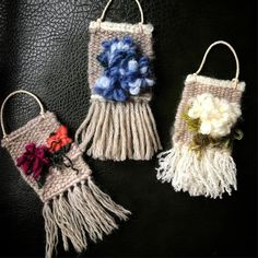 End of summer Nantucket bloom 🌺🌺 Tapestry Weaving, Loom Weaving, Hand Weaving, Recycled Crafts, Diy And Crafts, Baby Bouquet, Weaving Projects, Textile Art, Needle Felting