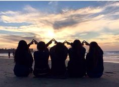Sisters and sunsets for UCI's ΦΣΡ winter retreat