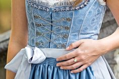 #Outfit: It's Dirndl time again! Blaues #Dirndl von #Bergweiss via Ludwig & Therese. #fashionvictress