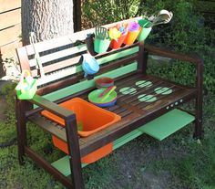 How did I build a mud kitchen from a garden bench? bauen Antje Zeh How did I build a mud kitchen from a garden bench? Diy Furniture Couch, Thrift Store Furniture, Diy Garden Furniture, Balcony Furniture, Diy Outdoor Furniture, Diy Furniture Projects, Furniture Plans, Outdoor Rooms, Reggio Emilia