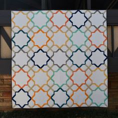 Happy Quilting: Moroccan Lullaby - A New Finish - Make sure you check out how beautifully Melissa quilted all the open space!