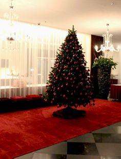 Classic festive red #movenpickXmas at Mövenpick Hotel Stuttgart Airport & Messe