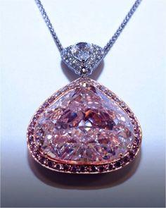 Rosamaria G Frangini | My PINK Jewellery | Natural Pink Diamond 29.78 carats.