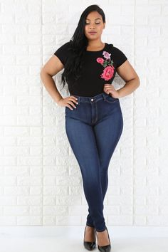 High-Waisted Skinny Jeans Curvy Plus Size, Plus Size Jeans, Curvey Women, Sexy Women, Hats For Women, Clothes For Women, Denim Fashion, Womens Fashion, Flare Skirt