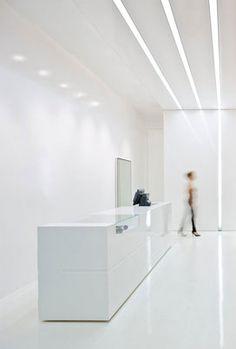 ::RETAIL:: All white retail Interior