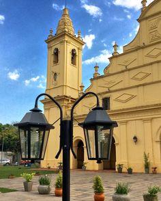 Faroles e iglesia de Trinidad.Asunción -Paraguay