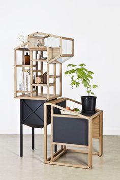 Gravel plant par Mieke Meijer, 2010 ; objet hybride : vitrine, étagère, bureau, dimension architecturale qui lui confère sa beauté