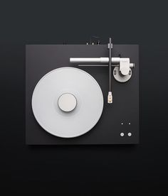 milo–vs: Turntable by Bergmann Magne