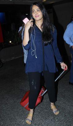 Anushka Shetty Real Face Without Makeup At Mumbai Airport