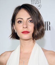 Kort hår med runda ansikten! JA även korta frisyrer är PERFEKTA för folk med ett runt ansikte!