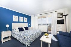 Habitación moderna en azul. Hotel la barracuda. Moder room
