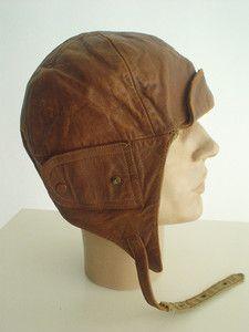 Voi's Gear - flying helmet.    Source: http://www.ebay.com/itm/RARE-antique-FRENCH-WW1-Leather-FLYING-HELMET-Vintage-PILOT-Bi-Plane-ACE-Aviator-/370652763132?pt=LH_DefaultDomain_0=item564ca053fc