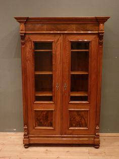 Gründerzeit Bücherschrank, Nussbaum um 1870