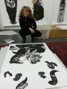 Maybe a live artist the great Diane V, she paints with smoke and corks! Artist Painting, Artist Art, What Is An Artist, South African Artists, Unusual Art, Art World, Contemporary Artists, Art Inspo, Art History