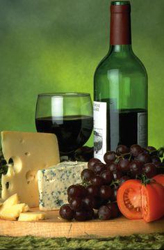 Viini ja juusto puolue. Hera viiniä.